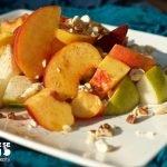 Salát z ovoce s oříšky